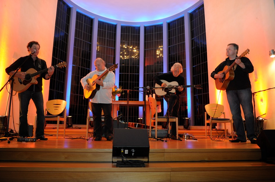 Michael Fix, Kai Heumann, Stephen Bennett and Stefan Mönkemeyer at the Guitar Night in Schwerte. Photo © Dirk Engeland