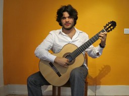 Marcelo Rosario at the Gitarrenzentrum