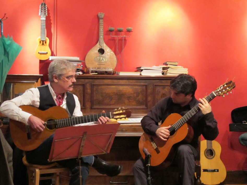 Ramón Regueira y Adrian Ramirez at the Gitarrenzentrum